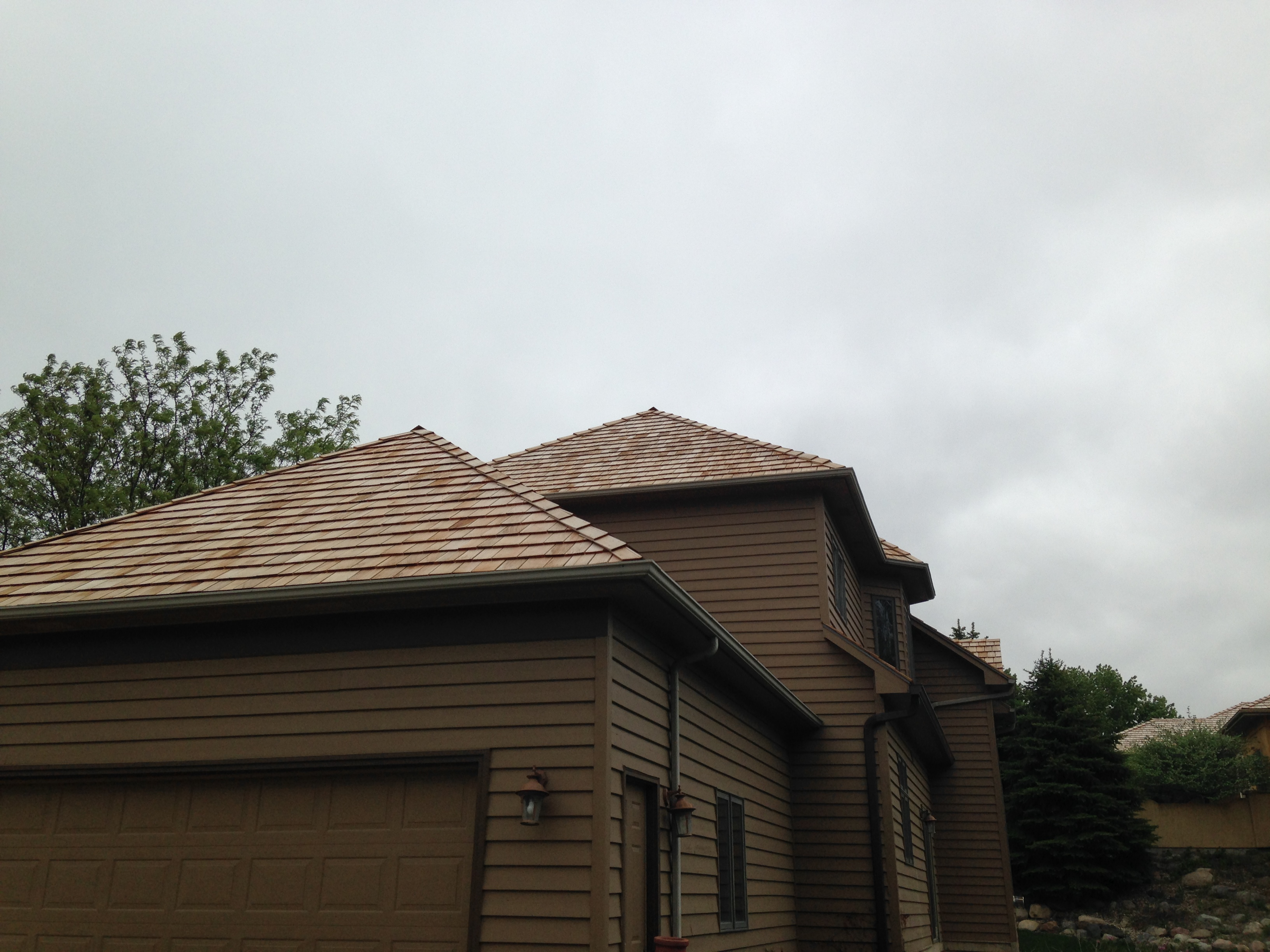 finished-roof-installation