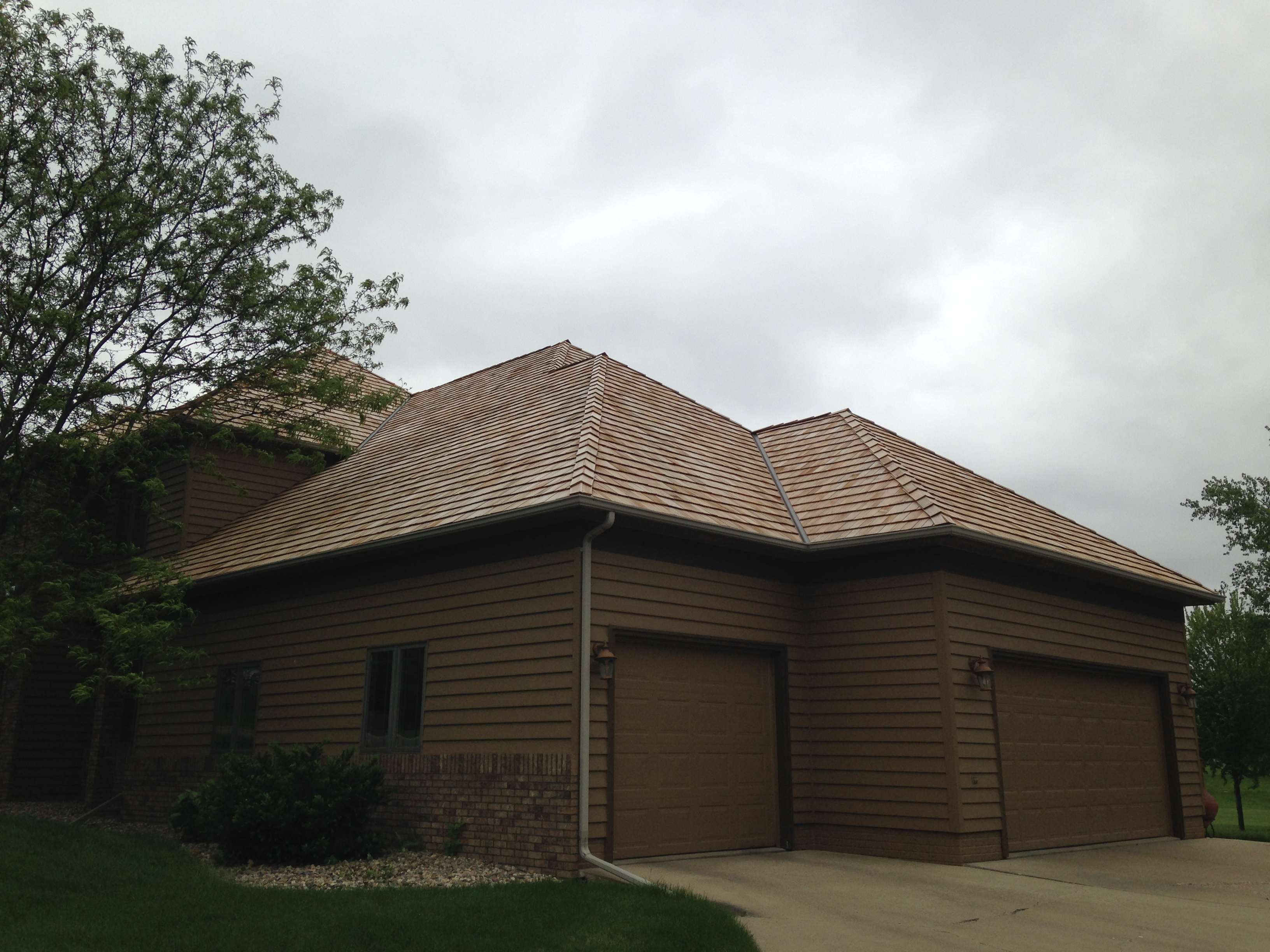 brown-house-shingles-roof